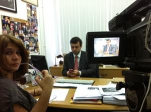 IPS's Fabiana Frayssinet interviews Brazilian state legislator Marcelo Freixo in Rio de Janeiro. Credit:  VincentRimbaux