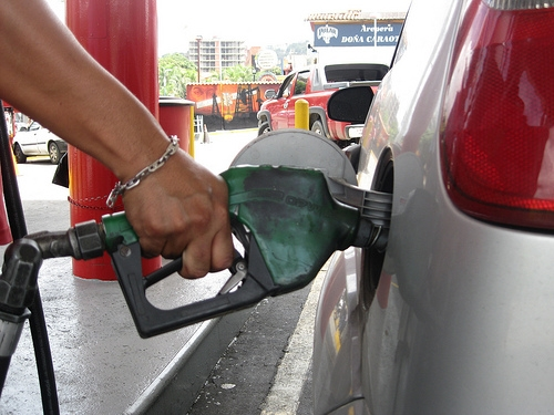 Consumption of the cheapest petrol in the world is responsible for a large proportion of Venezuela's carbon dioxide emissions. Credit: Fidel Márquez/IPS