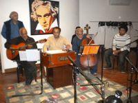 Rehearsing at Sachal Studios in Lahore. Credit: Zofeen Ebrahim/IPS.
