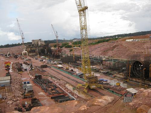 Jirau hydropower plant construction site.  Credit: Mario Osava/IPS