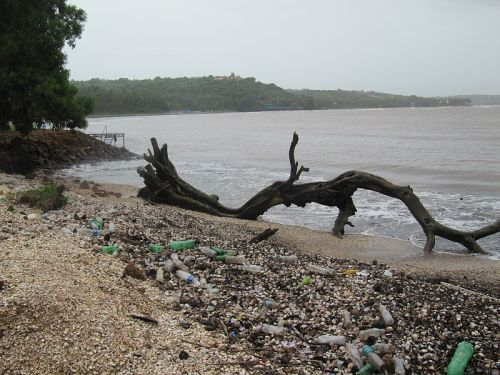 Plastic debris washed up on Coco Beach in Goa, India, where the Mandovi River empties into the Indian Ocean. Credit: Hajjo ms/CC BY 3.0