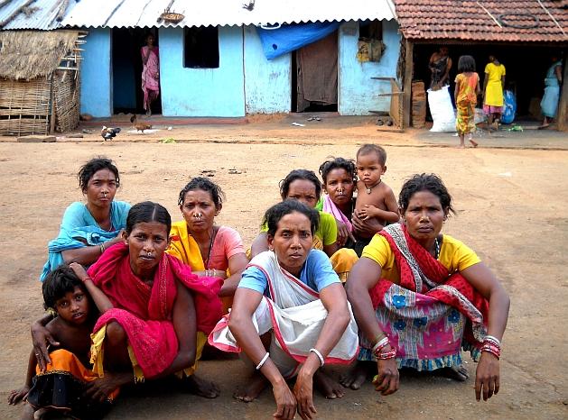 Rayagada's tribal women look after community grain banks. Credit: Manipadma Jena/IPS