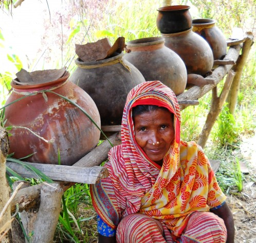 Small farmers are returning to organic fertilisers. Credit: Manipadma Jena/IPS
