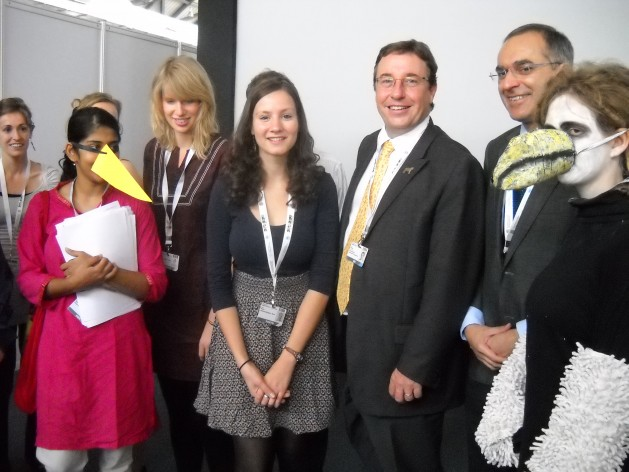 Biodiversity activists with UNEP's Achim Steiner and Pavan Sukhdev. Credit: Manipadma Jena/IPS