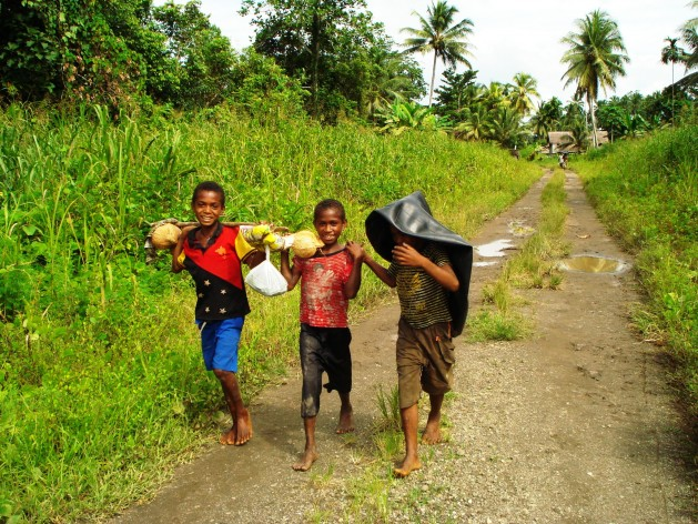 Children in a PNG village. Credit: Catherine Wilson/IPS