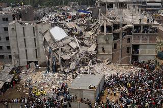 The ruins of the eight-story Rana Plaza factory. Credit: Rijans/CC BY-SA 2.0