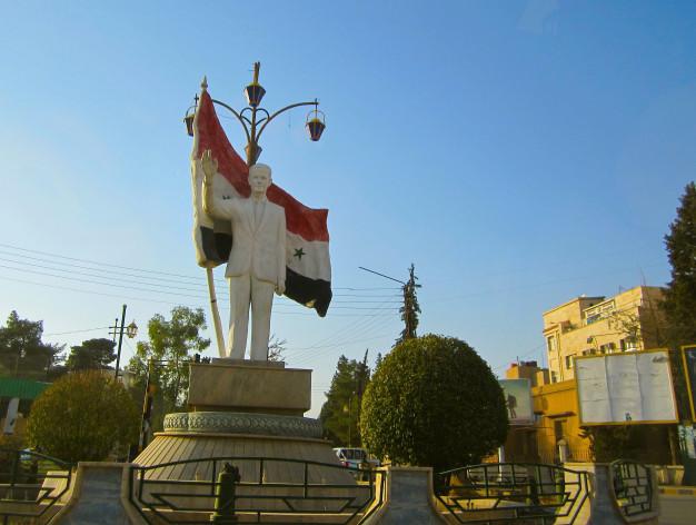 A statue of Syrian President Bashar Assad still stands in Qamishli town. Credit: Karlos Zurutuza/IPS.