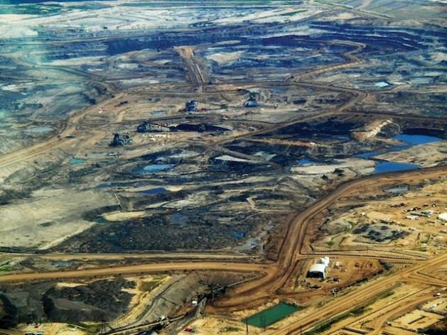 Tar sands in Alberta, Canada. Credit: Dru Oja Jay/ CC 2.0