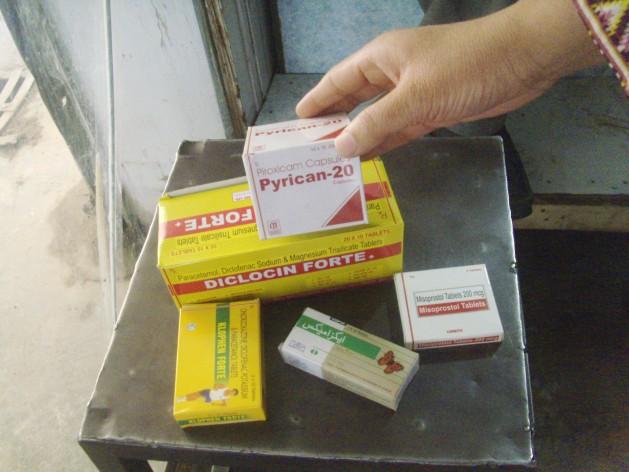 Despite hurdles in trade, Indian medicines find their way usefully into Pakistan. Credit: Ashfaq Yusufzai/IPS.