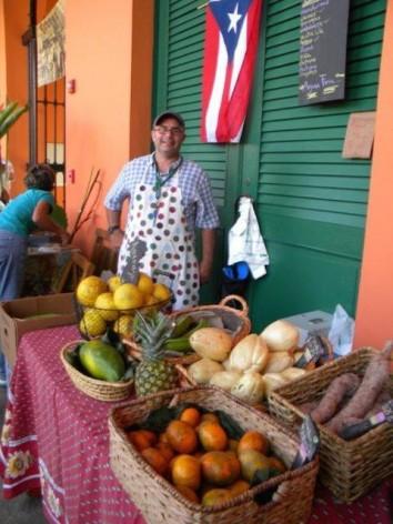 Vendors at the organic farmers' market in Old San Juan, Puerto Rico. Courtesy: Tillie Castellano.