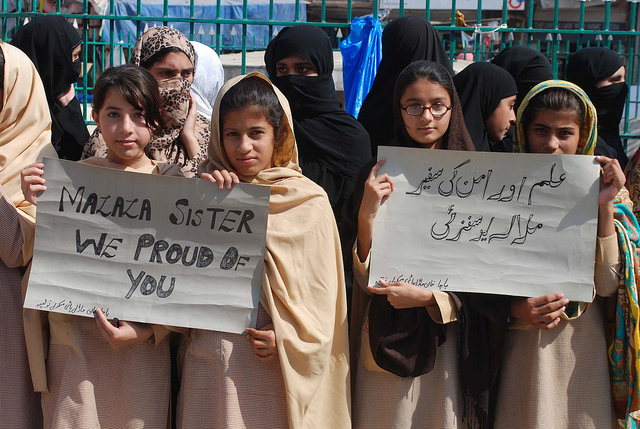 Schoolgirls at a demonstration in Peshawar in support of Malala Yousafzai. Credit: Ashfaq Yusufzai/IPS.