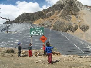 Children playing in mining tailings in Morococha, Peru. Credit: Milagros Salazar/IPS