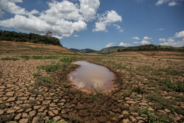 A puddle is all that is left in one of the reservoirs of the Cantareira System, which normally supplies nearly half of the São Paulo metropolitan region. Courtesy of Ninja/ContaDagua.org