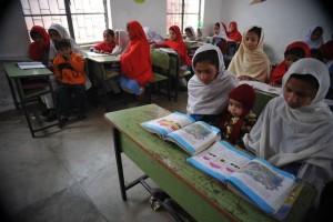 Girls attend school in Peshawar, capital of Pakistan's Khyber Pakhtunkhwa (KP) province. Credit: Ashfaq Yusufzai/IPS
