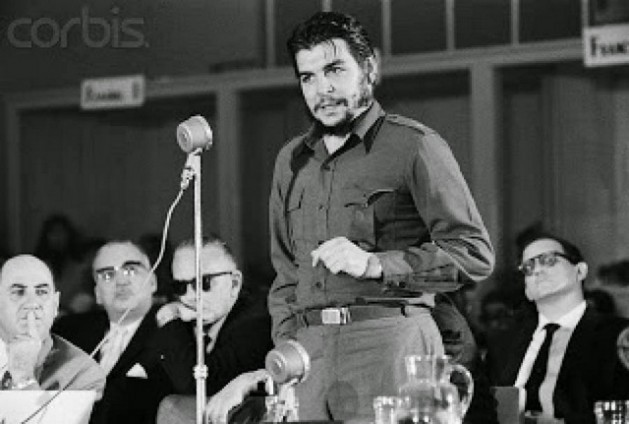 """Ernesto """"Che"""" Guevara delivers his famous speech on Aug. 8, 1961 at the Inter-American Economic and Social Council in the Uruguayan city of Punta del Este. This was the last continental forum Cuba attended before being excluded until the Seventh Summit of the Americas, to be held Apr. 10-11 in Panama City. Credit: Public domain"""
