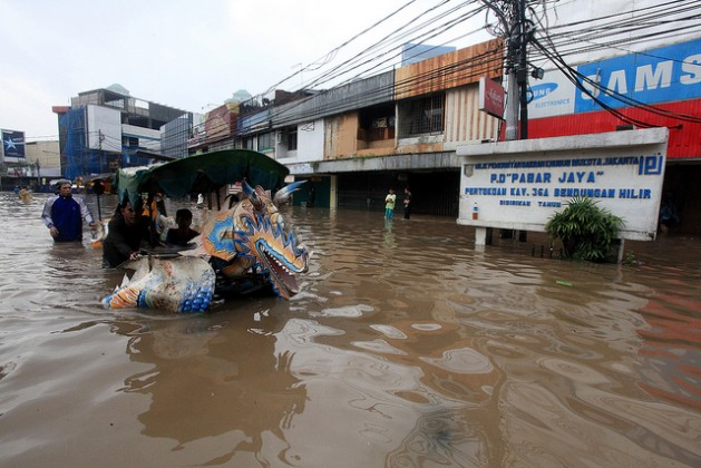Heavy flooding in Jakarta, Indonesia. Credit: Bigstock