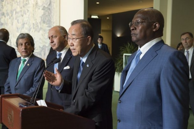 The Secretary-General (second from right), accompanied by Manuel Pulgar-Vidal (left), Minister of the Environment of Peru, Laurent Fabius (second from left), Minister for Foreign Affairs of France and Sam Kutesa (right), President of the sixty-ninth session of the General Assembly, at a press encounter on the General Assembly's high-level meeting on climate change. Credit: UN Photo