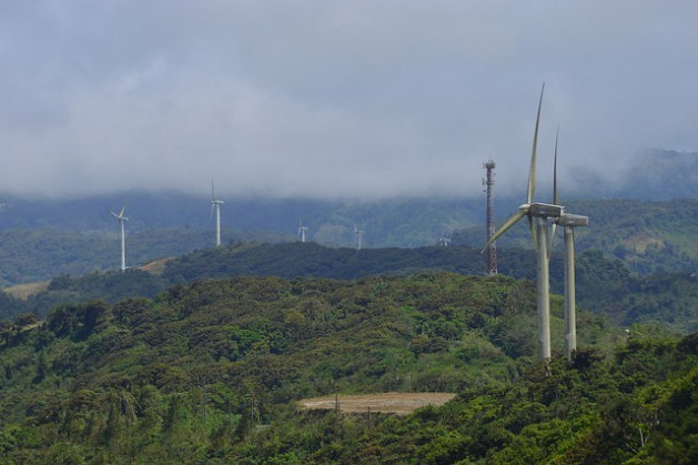 In 2011 the Coopesantos cooperative installed a wind park in the mountains of La Paz and Casamata, some 50 km southeast of the capital of Costa Rica. With an installed capacity of 12.7 MW and 15 wind turbines, the wind park supplies 120 communities with ties to the cooperative. Credit: Diego Arguedas Ortiz/IPS