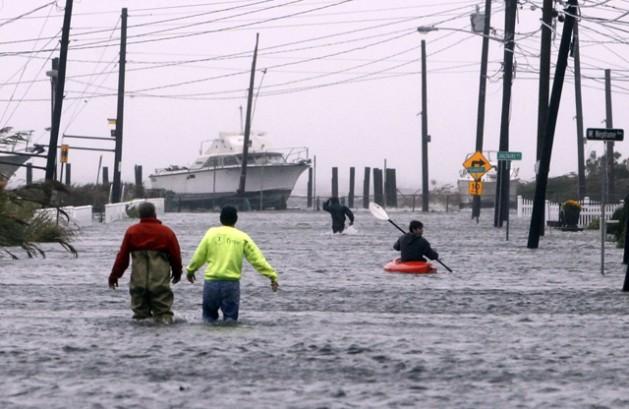 Hurricane Sandy floods a street in Lindenhurst, Long Island. Credit: Jason DeCrow/CC BY SA/2.5