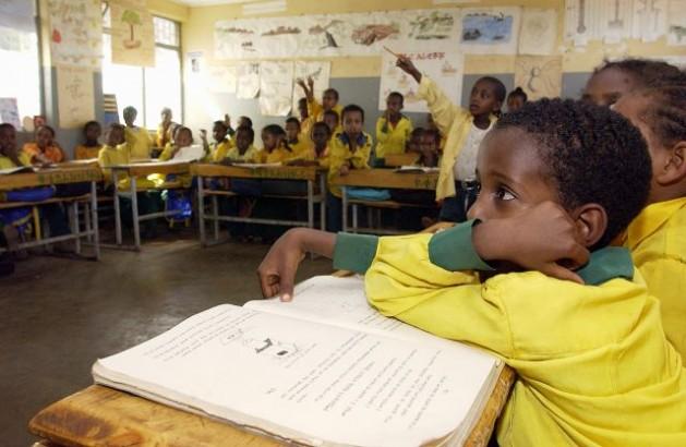 Primary school children in class, Harar, Ethiopia. Credit: UN Photo/Eskinder Debebe