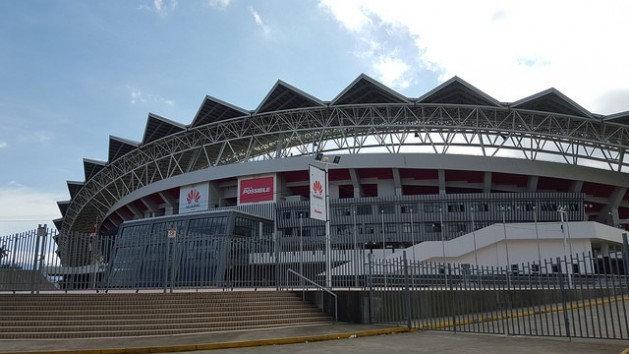 Costa Rica's National Stadium, donated by China as a gift for the reestablishment of bilateral ties in 2007, and built in 2009-2010 by a Chinese company with Chinese labour. Credit: Diego Arguedas Ortiz/IPS