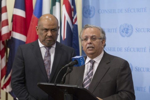 Abdallah Yahya A. Al-Mouallimi (right), Permanent Representative of Saudi Arabia to the UN, speaks to journalists on July 28, 2015 following a Security Council meeting on the situation in Yemen. At his side is Khaled Hussein Mohamed Alyemany, Permanent Representative of the Republic of Yemen. Credit: UN Photo/Loey Felipe