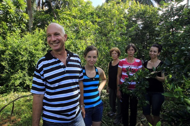 Armando Marcelino Pi and members of his family who work together on the La Carmelina agroecological family farm in La Palma in the mountains of the western Cuban province of Pinar del Río. Credit: Jorge Luis Baños/IPS