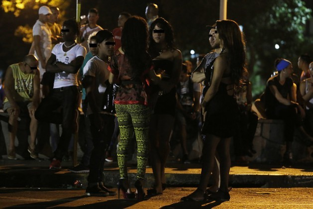 At night, groups of people from the lesbian, gay, bisexual, transsexual and intersex (LGBTI) community gather in meeting spots like this one in the El Vedado neighbourhood in Havana, Cuba. Others go to cruising spots for quick anonymous sex. Credit: Jorge Luis Baños/IPS