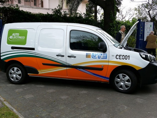 Since July 2014, Uruguay's state power utility, UTE, has 30 100 percent electric vans. After the success of this initiative, it doubled that number in its fleet of vehicles, and incorporated two electric cars, in November 2015. Credit: Verónica Firme/IPS
