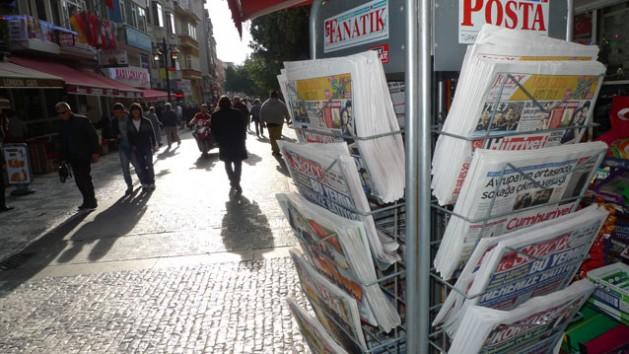 Newspaper kiosk in Istanbul's Kadiköy district.  Credit: Joris Leverink/IPS