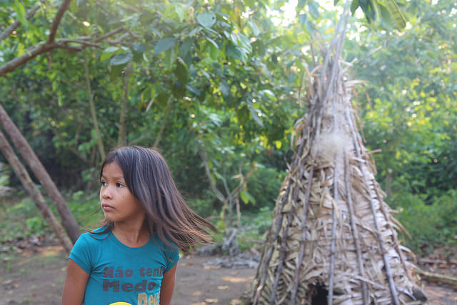 A little girl in Sawré Muybu, an indigenous village on the Tapajós River between the municipalities of Itaituba and Trairao in the northern Brazilian state of Pará. Credit: Fabiana Frayssinet/IPS