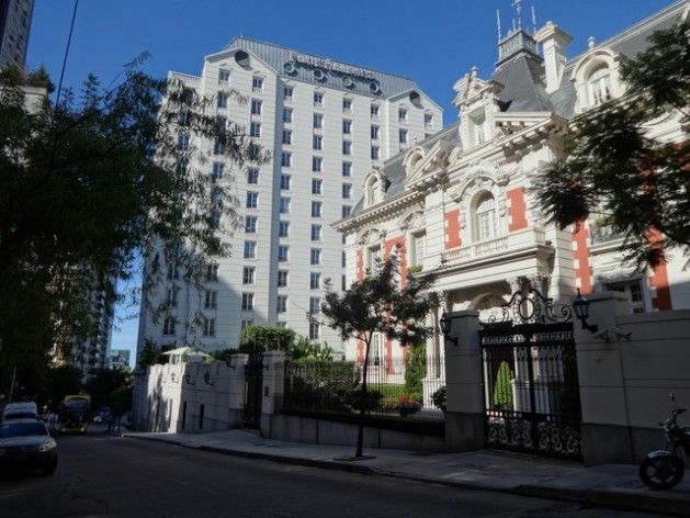 The Four Seasons hotel in the upscale Buenos Aires neighbourhood of Recoleta was remodeled this decade with a multi-million dollar investment by the Dubai-based Albwardy Investment Group. This is just one example of investment in Argentina by the United Arab Emirates, which is expected to increase in different sectors as a result of the visit here by the UAE's foreign minister, Sheikh Abdullah bin Zayed Al Nahyan. Credit: Fabiana Frayssinet/IPS
