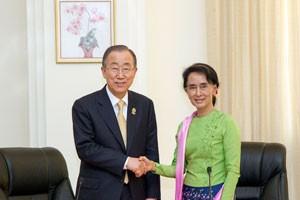 Secretary-General Ban Ki-moon meeting with Daw Aung San Suu Kyi in Nay Pyi Taw, Myanmar in November 2014. Credit: UN Photo/Rick Bajornas