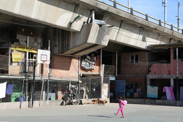"""""""Bajo Autopista"""", a slum in the Villa 61 shantytown wedged under an expressway, just a few blocks from Retiro, one of the most upscale neighbourhoods in Buenos Aires. At least 111 million of Latin America's urban inhabitants live in slums. Credit: Fabiana Frayssinet/IPS"""
