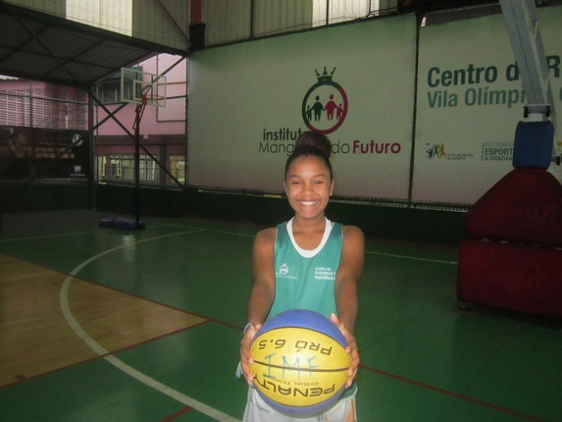 """Kaillana de Oliveira Donato, 14, plays basketball in the Olympic Villa in Mangueira, a poor neighbourhood in Rio de Janeiro, and participates in U.N. Women's """"One Win Leads to Another"""" programme. Credit: Mario Osava/IPS"""