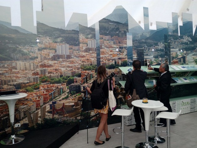 One of the concerns about compliance with Habitat III is how to finance the new public works, taking into consideration the considerable investment required. In the image, a photocomposition of European cities in a Habitat III exposition in Quito. Credit: Emilio Godoy/IPS