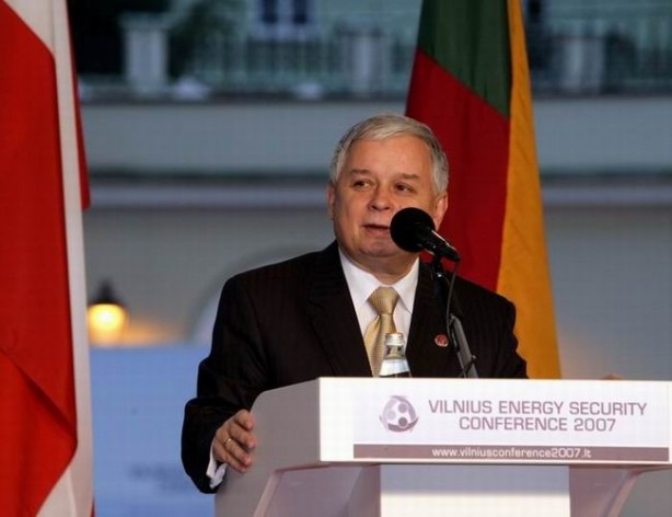 Lech Kaczyński at an energy conference three years before his death. Credit: Archive of the Chancellery of the President of the Republic of Poland/GNU license