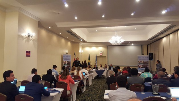 """Tito Díaz, FAO subregional coordinator for Mesoamerica, speaks as a panelist during the Mar. 20-22 """"School feeding as a strategy to achieve the Sustainable Development Goals"""" meeting in the Costa Rican capital. Credit: Diego Arguedas Ortiz/ IPS"""