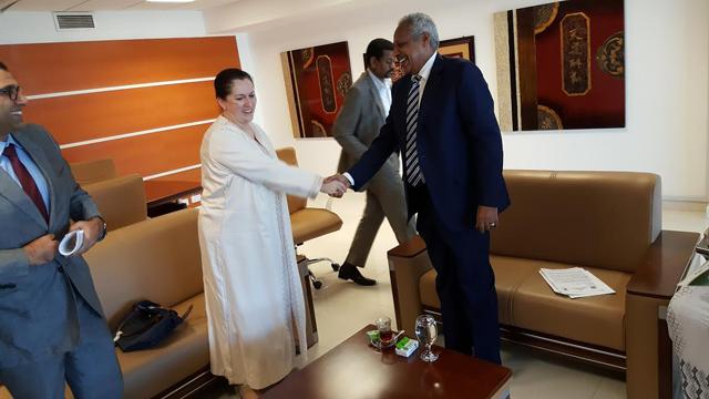 Khalida Bouzar greeting Sudan's Minister of Finance and Economic Planning, Badr Al Din Mahmoud Abbas.  Credit: IFAD