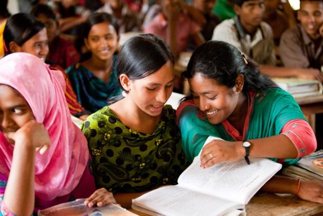 Schoolchildren in Chowrapara, Rangpur, Bangladesh. Credit: UNICEF / Tapash Paul