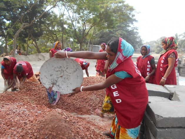 Women laborers engage in a development project in Bangladesh. Credit: LGED