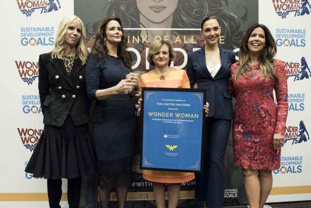 Wonder Woman should STILL be a UN Ambassador - Cristina Gallach (centre), Under-Secretary-General for Communications and Public Information, poses for a group photo with, from left to right: Diane Nelson, Lynda Carter, Gal Gadot and Patty Jenkins. Credit: UN Photo/Kim Haughton