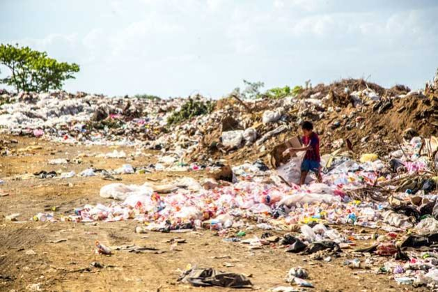 Soil pollution poses a serious threat to our environment, to our sources of food and to our health, says new report by FAO