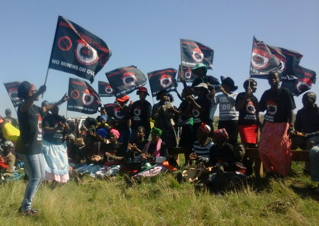 Amadiba residents gather to oppose a mine that has the support of a local chief and that has gained approval from the minerals department. Photo courtesy of Nonhle Mbuthuma