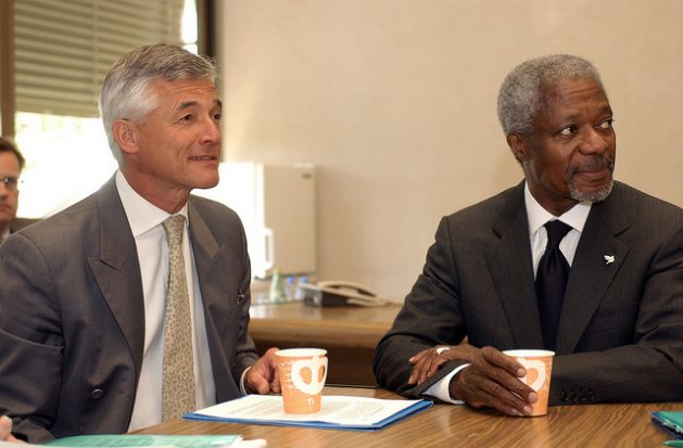 Kofi Annan, U.N. Secretary General from 1997 to 2007 and 2001 Nobel Peace Prize-winner, who died on Aug. 18, seen together with Brazilian diplomat Sergio Vieira de Mello (left), one of his right-hand men and U.N. High Commissioner for Human Rights, who died in Baghdad in 2003. Credit: Sergio Vieira de Mello Foundation