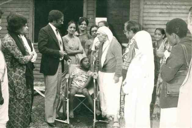 Mother Teresa at Mji wa Huruma Elders' Home when she visited Nairobi in August 1981. Photo courtesy: The Standard.