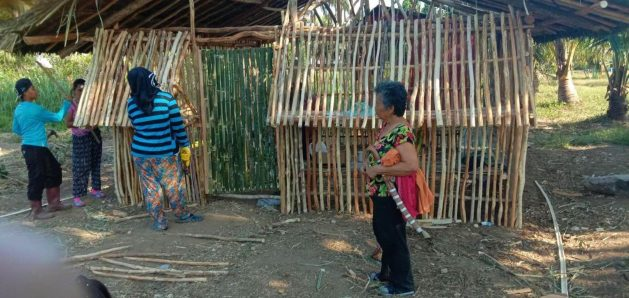 Senior citizens supervise the construction of a community-run tree nursery and collective farm in Alangalang of Philippine's Eastern Visayas region. Courtesy: Divisoria Peatland Farmers Association/WEAVER