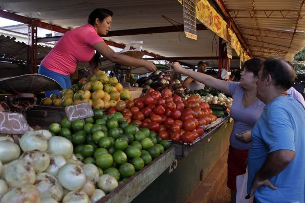 Food markets were closed as many countries across the globe went into a lockdown to prevent the spread of COVID-19. The reduced access to high-value foods and higher food prices for nutritious foods has led to a risk of declining dietary quality globally. Credit: Jorge Luis Baños/IPS