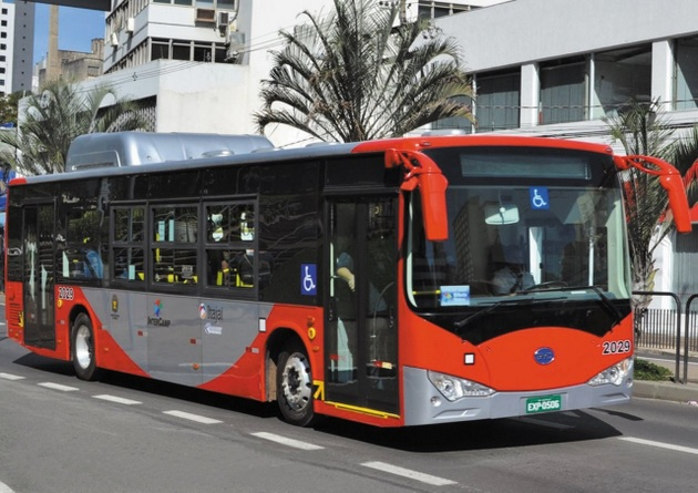 A bus manufactured by BYD, a Chinese company founded in 1995 that soon became a powerhouse in the production of rechargeable batteries, electric buses and cars and solar panels. In Brazil, the firm set up shop in the city of Campinas, 100 kilometres from São Paulo. Its production is focused on clean energy and transport. CREDIT: Courtesy of BYD Brazil