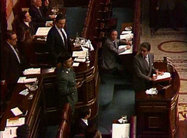 Coup in Spain: Lieutenant Colonel Antonio Tejero, moments after breaking into the Chamber of Deputies, on the afternoon of February 23, 1981, which began a coup in Spain, with the seizure of Parliament and armed uprisings in several cities. Its failure ended up consolidating the recently restored democracy. Credit: RTVE.